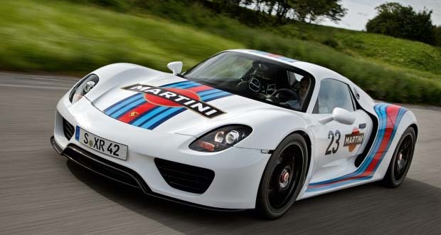 porsche 918 spyder looks awesome in martini racing colors. Black Bedroom Furniture Sets. Home Design Ideas