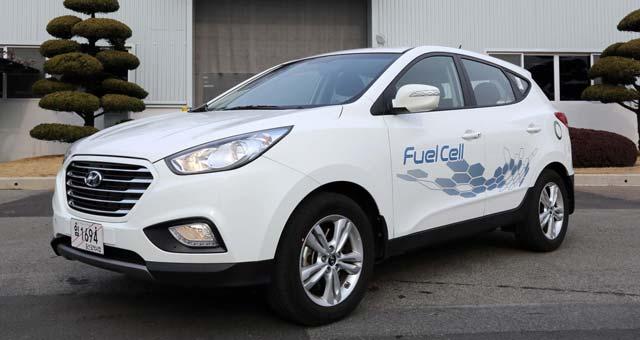 ix35-Fuel-Cell-Rolls_1