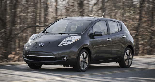 2013-Nissan-Leaf-Canada