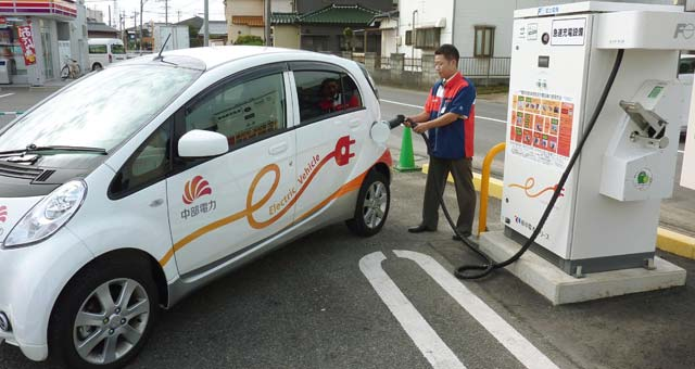 Charging-EV-Japan