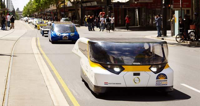 solar powered family car wins world solar challenge 2013. Black Bedroom Furniture Sets. Home Design Ideas
