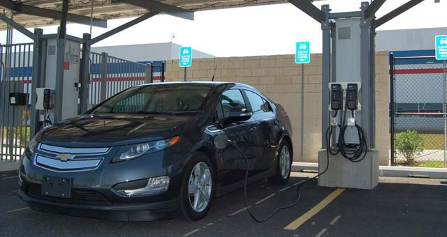 GM-Workplace-Charging-Stations