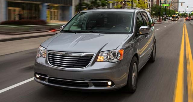 plug-in-hybrid-Chrysler-Town-and-Country