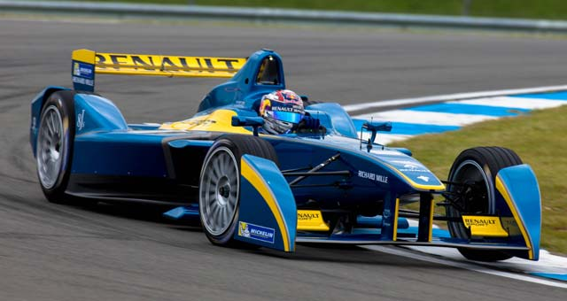 Formula-E-test-at-Donington-Park_s