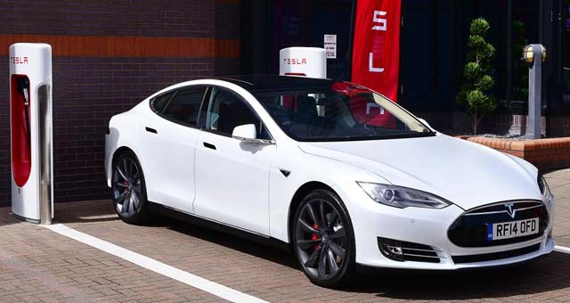 Tesla-Supercharger-UK