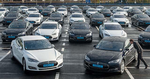 Tesla-Elextric-Taxis