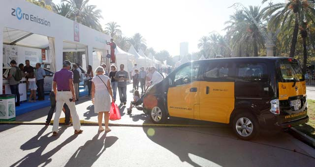 nissan-electric-taxis-spain_s
