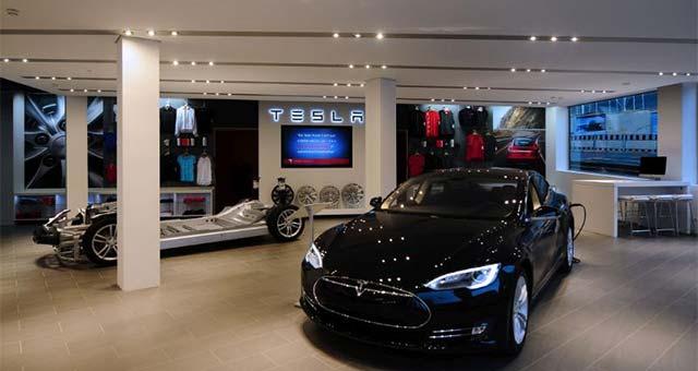 Tesla-Motors-Geneva_1