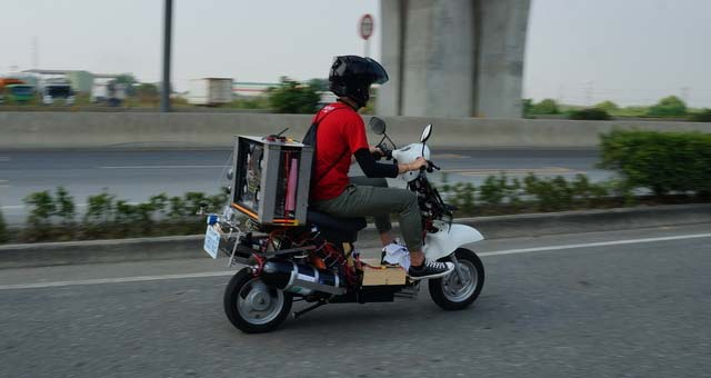 Hydrogen-Fueled-Electric-Scooter