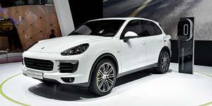 Porsche-Cayenne-S-E-Hybrid-300-150