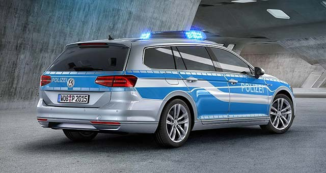 Police-Passat-GTE_1
