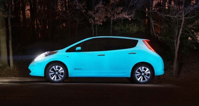Glow-In-The-Dark-Car-Paint