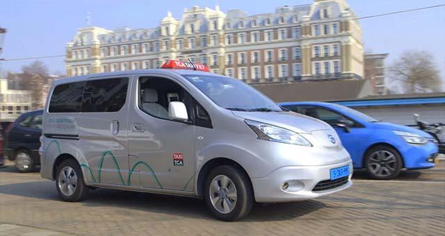 Amsterdam-EV-Taxis