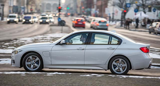 BMW-330e-iPerformance_2