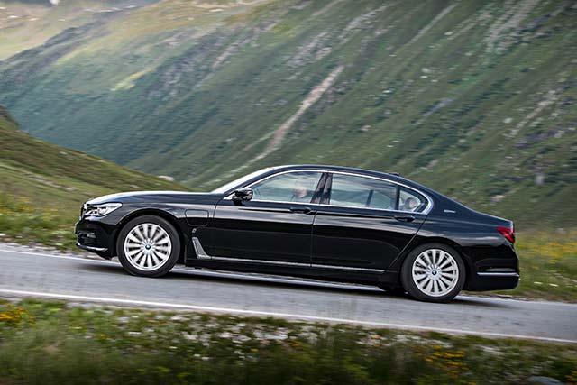 BMW-740e-iPerformance_2